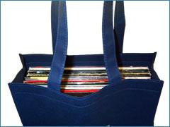 タテ×ヨコは35×35cm ちょうどレコードが収まるサイズです。